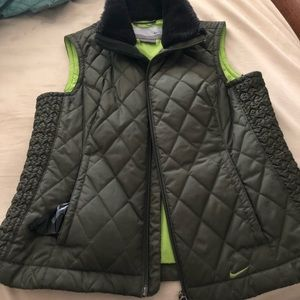 Nike best army green with faux fur